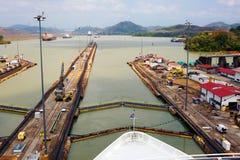 O primeiro fechamento do canal do Panamá do Oceano Pacífico fotografia de stock royalty free