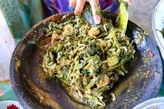 O processo de fazer o pecel vegetal fotografia de stock royalty free