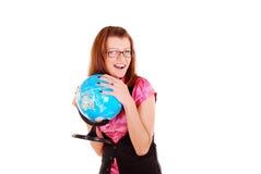 O professor da geografia com o globo. imagens de stock