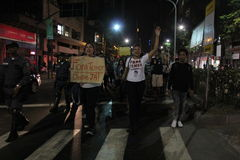 O protesto contra Michel Temer perde a força em Rio de janeiro Imagens de Stock Royalty Free