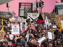 O protesto de encontro à instrução corta dentro o Reino Unido Fotografia de Stock Royalty Free