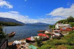 O Puerto isolado Eden em Wellington Islands, fiords do Chile do sul imagens de stock