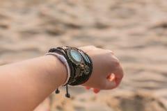 O pulso da mulher Fotografia de Stock Royalty Free