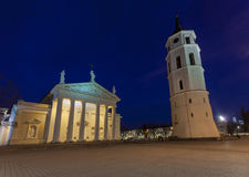 O quadrado da catedral em Vilnius central Fotografia de Stock Royalty Free