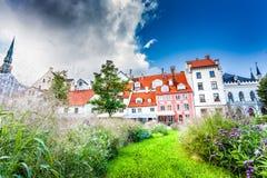 O quadrado de Livu na cidade velha de Riga, Letónia Imagem de Stock Royalty Free