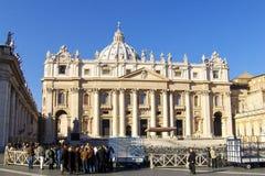 O quadrado de St Peter, a basílica Fotos de Stock Royalty Free