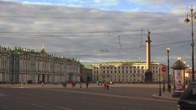 O quadrado do palácio em St Petersburg 4K vídeos de arquivo