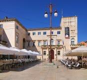 O quadrado do pessoa, Zadar, Croácia Foto de Stock
