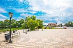 O quadrado principal perto do rio Suzun, Sibéria ocidental, Rússia fotos de stock royalty free
