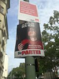 O quadro de avisos da campanha eleitoral do partido político alemão morre Partei Fotografia de Stock Royalty Free