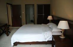 O quarto de convidado do hotel Fotos de Stock Royalty Free