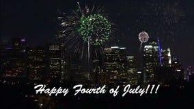 O quarto feliz do texto de julho entra sobre fogos de artif?cio vídeos de arquivo