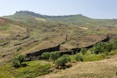 O que muitos acreditam estão as sobras da arca de Noah (direito do centro) perto da cidade de Dogabeyazit em Turquia Foto de Stock Royalty Free
