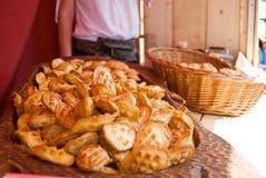 O queijo de Oscypek endurece no mercado justo de Gdansk imagens de stock royalty free