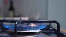 O queimador de gás video estoque
