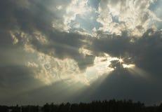 O raio de Sun está fazendo sua maneira Imagem de Stock