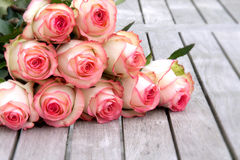 O ramalhete com aumentou para o dia de mães Fotos de Stock Royalty Free
