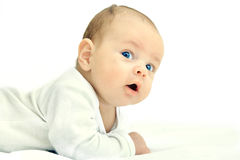 O rapaz pequeno estava rastejando no assoalho Foto de Stock Royalty Free