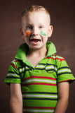 O rapaz pequeno é um fã da Irlanda, Fotos de Stock Royalty Free