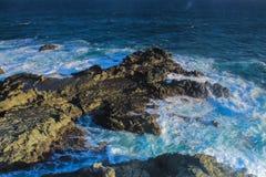 O Rapid acena na costa sul de Indonésia Fotografia de Stock Royalty Free