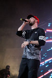 O rapper do ST na fase canta Imagens de Stock