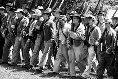 O Re-Enactment 29 da guerra civil - confedere março Imagem de Stock