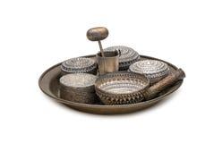 O receptáculo para o bétel, o uso de prata da bacia a conter o bétel sae Fotografia de Stock