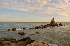 O recife das sirenes do cabo no por do sol Foto de Stock Royalty Free