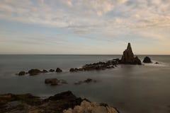 O recife das sirenes do cabo no por do sol Fotos de Stock Royalty Free