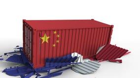 O recipiente com a bandeira de China quebra o recipiente de carga com a bandeira de França Guerra comercial ou conflito econômico ilustração royalty free