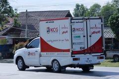 O recipiente pegara o caminhão de KCG Kim Chua Group Foto de Stock