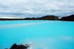 O recurso geotérmica do banho da lagoa azul em Islândia A lagoa azul famosa perto de Reykjavik, Islândia fotos de stock