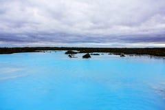O recurso geotérmica do banho da lagoa azul em Islândia A lagoa azul famosa perto de Reykjavik, Islândia imagens de stock royalty free