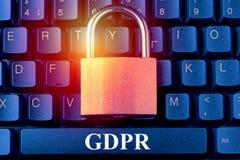 O regulamento geral GDPR da proteção de dados - padlock no teclado de computador Conceito da segurança da informação da privacida fotos de stock royalty free