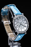 O relógio das mulheres bonitas Fotografia de Stock