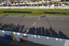 O relógio do espectador a ação da raça em Goodwood Imagens de Stock