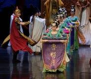 O relance do samurai- do ato em segundo: uma festa no ` de seda da princesa do ` do drama da dança da palácio-epopeia imagens de stock royalty free