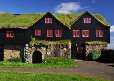 O relvado cobriu a casa, Islândia fotografia de stock
