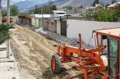 O reparo da estrada, transporte trabalha, trator, maquinaria pesada fotografia de stock royalty free