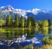 O resort de montanha de Chamonix em França imagem de stock