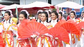 O respeito ao deus do chinês o festival anual vídeos de arquivo