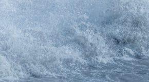 O respingo do mar acena o sumário das gotas Fotos de Stock Royalty Free