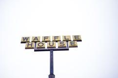 O restaurante da casa do waffle assina dentro Geórgia foto de stock