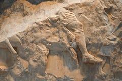 O resto quebrado da cinzeladura grega de equipa o pé no cavalo - fundo ou elemento imagem de stock