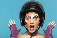 O retrato de um modelo com criativo brilhante compõe Foto de Stock Royalty Free