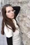O retrato do close up da mulher nova stonewall sobre Foto de Stock Royalty Free