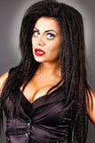 O retrato do close up de uma jovem mulher expressivo com criativo faz Fotos de Stock Royalty Free