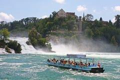 O Rhein cai perto de Schaffhausen em Switzerland Foto de Stock