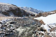 O rio da montanha Foto de Stock