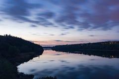 O rio de Dnieper em 8 pm Fotografia de Stock